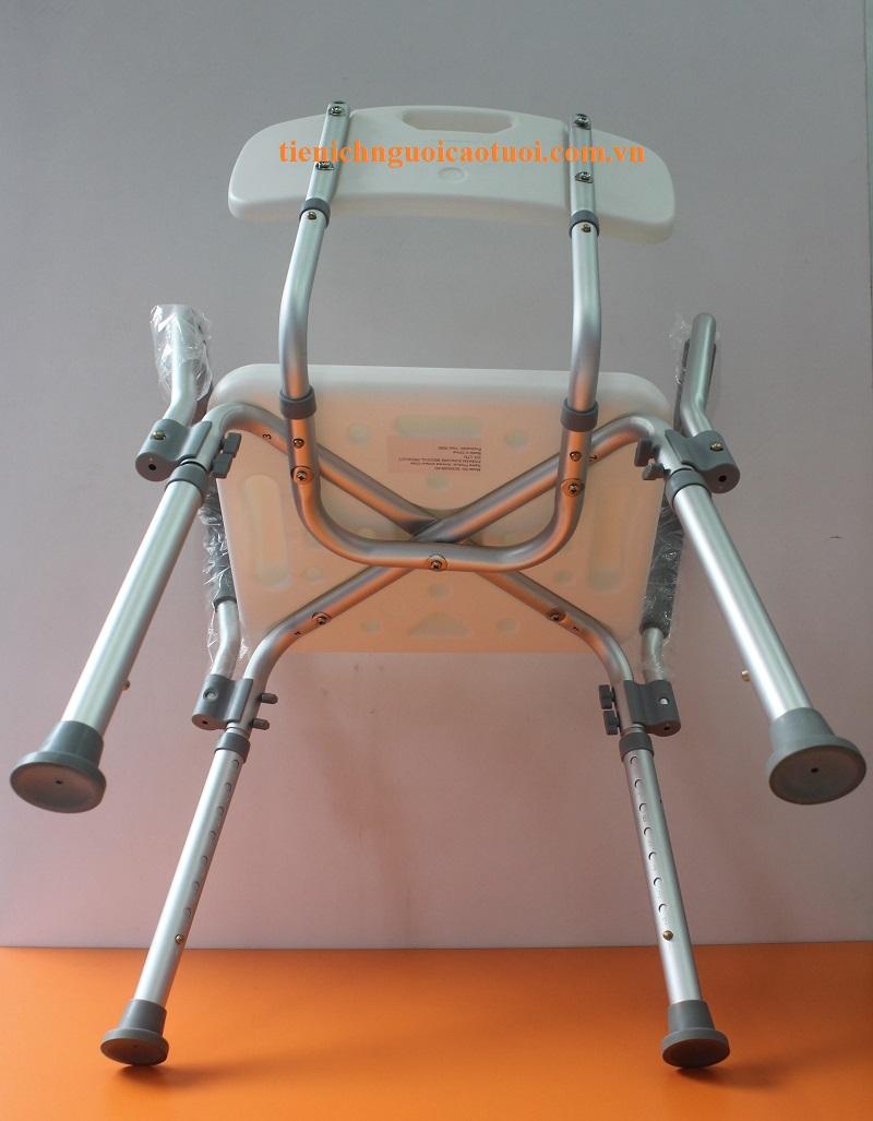 ghế-cho-người-già-tắm-6
