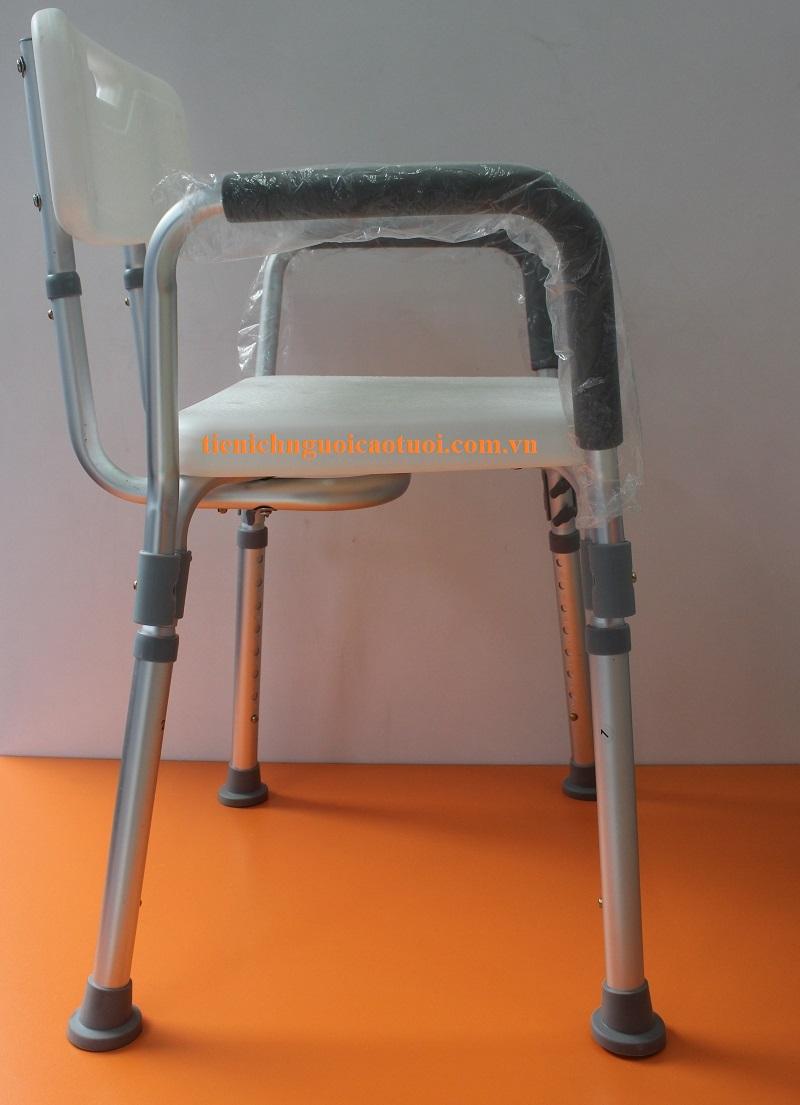 ghế-cho-người-già-tắm-8
