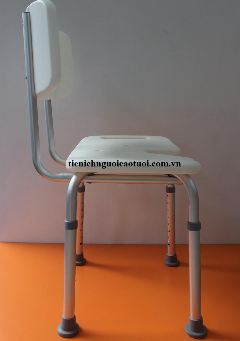 ghế-ngồi-tắm-gội-cho-người-cao-tuổi-3